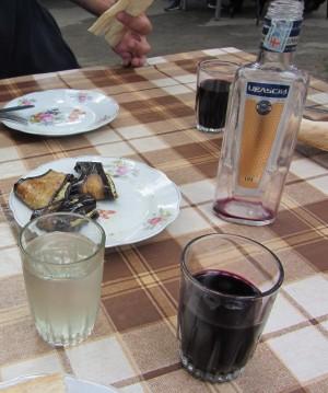 Du saperavi artisanal, dans une vieille bouteille de vodka...